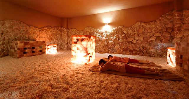 岩塩房 ヒマラヤ山脈から採取した天然の岩塩を利用。体液の酸化防止や皮膚の老化・トラブルを防ぐと言われます。