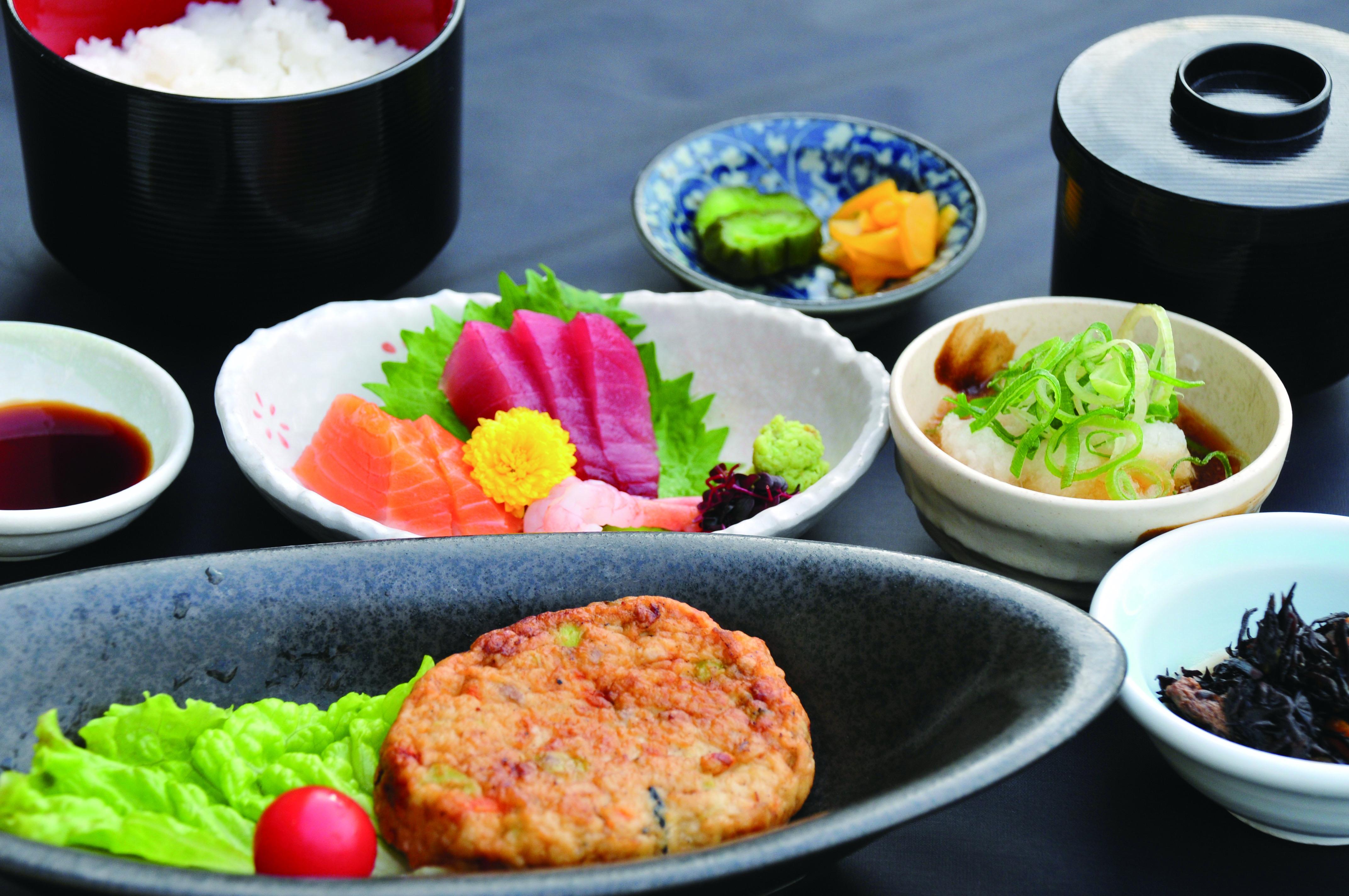 豆腐ハンバーグ和膳(約590kcal)